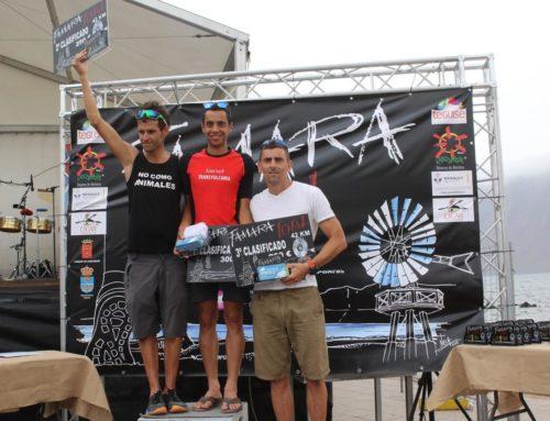 Cristofer Clemente y Nicola Brown, ganadores absolutos de la prueba de 42 kilómetros de la Renault Famara Total 2016